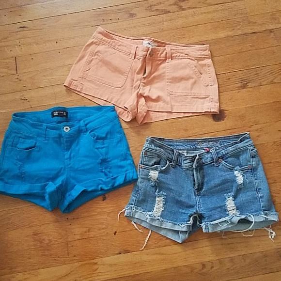 Hollister Pants - Bundle of shorts